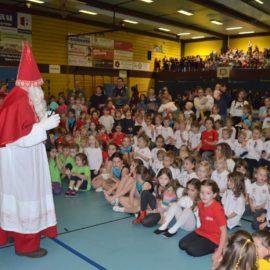 400 Kinder zeigten beim Nikolausturnen ihr Können